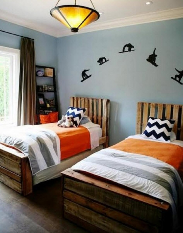 12 lits et meubles de chambre r alis s partir de palettes de manutention. Black Bedroom Furniture Sets. Home Design Ideas