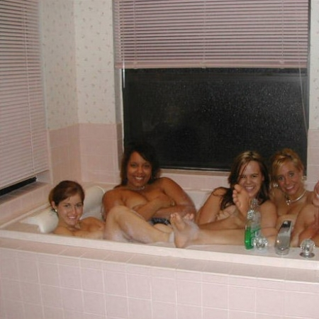 Photo : Cherchez l'intrus : le bain