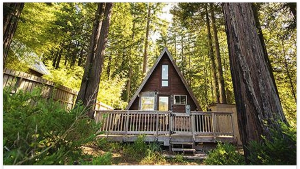 Cette petite maison en forme de toit dispose d 39 un int rieur magnifique petite visite guid e - Forme de toiture maison ...
