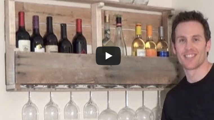 un support mural pour vos bouteilles de vin 224 fabriquer 224 partir d une palette