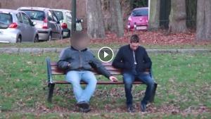 Image illustrant l'article Il piège des voleurs de téléphones en les électrocutant ! (Video)